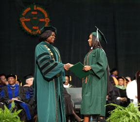 Christina-Robbs-graduate