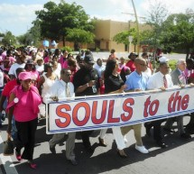 "Hundreds march from black churches Sunday to vote early in ""Souls to the Polls"" rally"