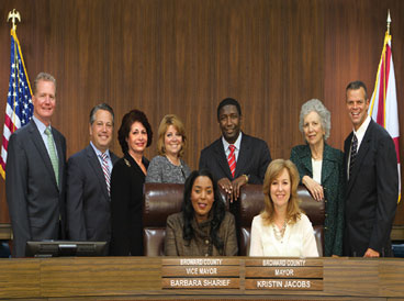 CommissionGroupPortraitNov2 BOARD INSTALLS NEW COMMISSIONERS; NEW MAYOR/VICE MAYOR SELECTED