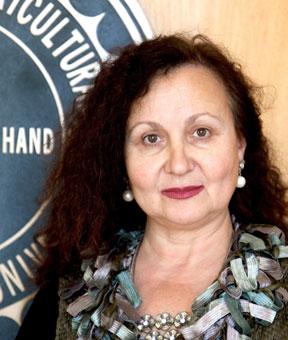 Violeta Tslova GRAPES WIN Grapes & wine: Good medicine