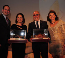 Greater Miami Chamber of Commerce presents Gloria and Emilo Estefan with 2013 Sand In My Shoes Award®