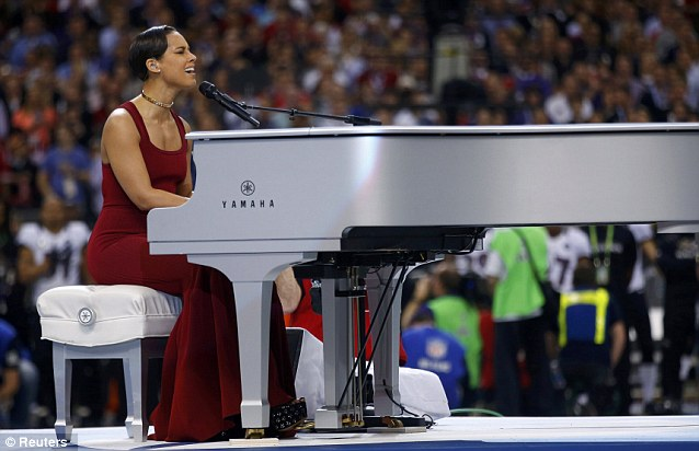 article 0 175455D5000005DC 898 638x412 Alicia Keys Star Bangled Banner Performance Super Bowl 2013