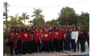 TUSKEGEE GIRLS BASKETBALL T Local Tuskegee alumni host Women's Basketball team and band