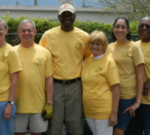 Broward League of cities hosts volunteer event for elected officials and local residents to help end hunger