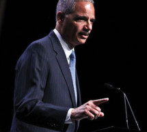 Holder seeks to force Texas to 'preclear' voting changes
