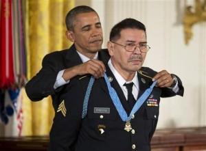 Barack Obama, Santiago Erevia