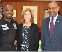 Flying Classroom Pilot Barrington Irving meets with American and Jamaican Ambassadors in Tokyo