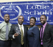 Robert Smith receives Award of Excellence
