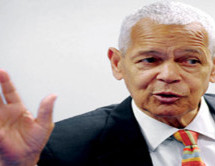 Julian Bond praised for unselfish devotion to human rights