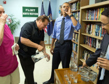 President  Obama drinks the water in Flint, Mich.