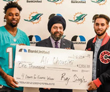 BankUnited & Miami Dolphins' Jarvis Landry present South Florida student with $1,000 award