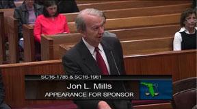 Attorney-Jon-Mills-argues-