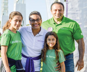 March of Dimes President Stacey D. Stewart and Publix Super Markets Atlanta District Manager, Kourosh walked with his daughters, Angelina (age 11) and Nicole (age 9) at March for Babies in Atlanta on April 22, 2017. For the second year, Publix is the number one national March for Babies corporate partner, raising more than $8.3 million dollars to help give every baby a fighting chance.  The grocer, with stores in seven states, has raised more than $73 million to support the March of Dimes.