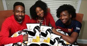 Dondre Anderson, and his two daughters, Amina and Amari, are the founders of Symphony Chips.