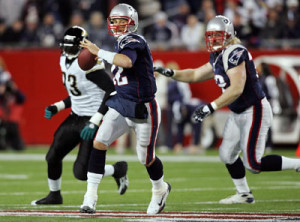 New England Partiots (QB) Tom Brady looking for his receiver.