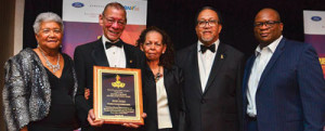 Dorothy Leavell, the chair-man of the NNPA; Rod Doss, the publisher of the New Pittsburgh Courier; Marilyn Hughes, Rod Doss' sister; Dr. Benjamin F. Chavis, Jr., the president and CEO of the NNPA; Hiram Jackson, the CEO of Real Times Media celebrate Doss' career achievements, during the 2018 NNPA Mid-Winter  Conference in Las Vegas, Nevada.  (Freddie Allen/AMG/NNPA)