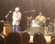 Buddy Guy electrifies ​the Broward Performing Arts Center