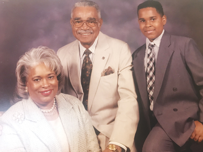 GARTH-REEVES-AND-FAMILYIMG_