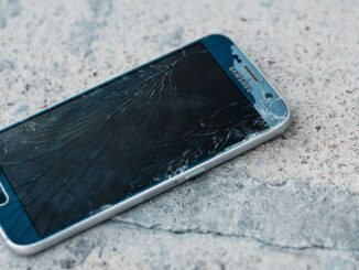 Scientists inspired by mother-of-pearl have developed a shatter-resistant glass that could make broken phone screens a thing of the past. (Ashkan Forouzani/Unsplash)